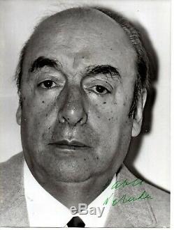 Original photo Autograph Signed y PABLO NERUDA Poet Poems Chile Paris ART US